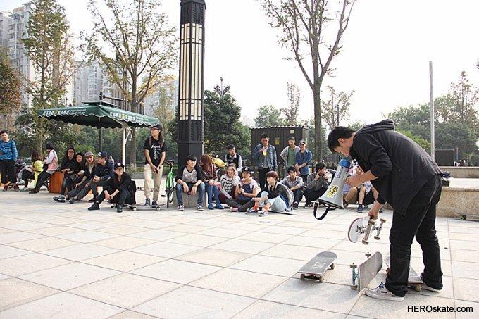 2013 成都校园滑板大赛 四川音乐学院 新都校区 报道图片